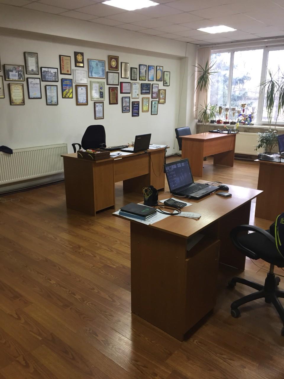 Нежитлове приміщення в м. Дніпро, площею 153,0 кв. м