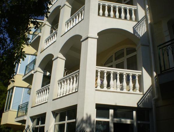 Житловий будинок загальною площею 905,3 кв.м , що розташований за адресою: АРК, м. Ялта, смт. Гаспра, Алупкинське шосе, буд. 60-В